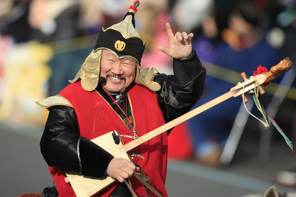 Kongar-ol Ondar, performing at the 2013 Rose Parade, was respected by musicians worldwide.